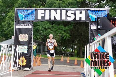 Lake Mills Triathlon - Eric Engel Run